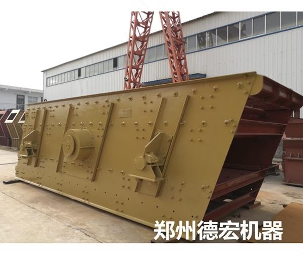 """郑州制砂机厂家讲述如何掌控圆振动筛分设备的自动给料""""量""""?"""